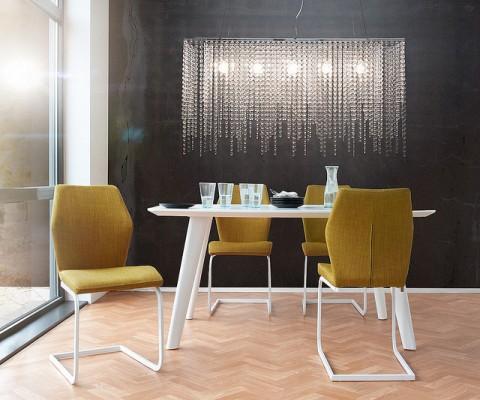 zentraler blickpunkt im raum h ngeleuchten. Black Bedroom Furniture Sets. Home Design Ideas