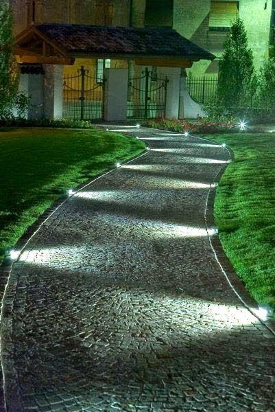 Neu STRAHLEND: Mit Bodeneinbaustrahlern leuchtet der Garten TC89