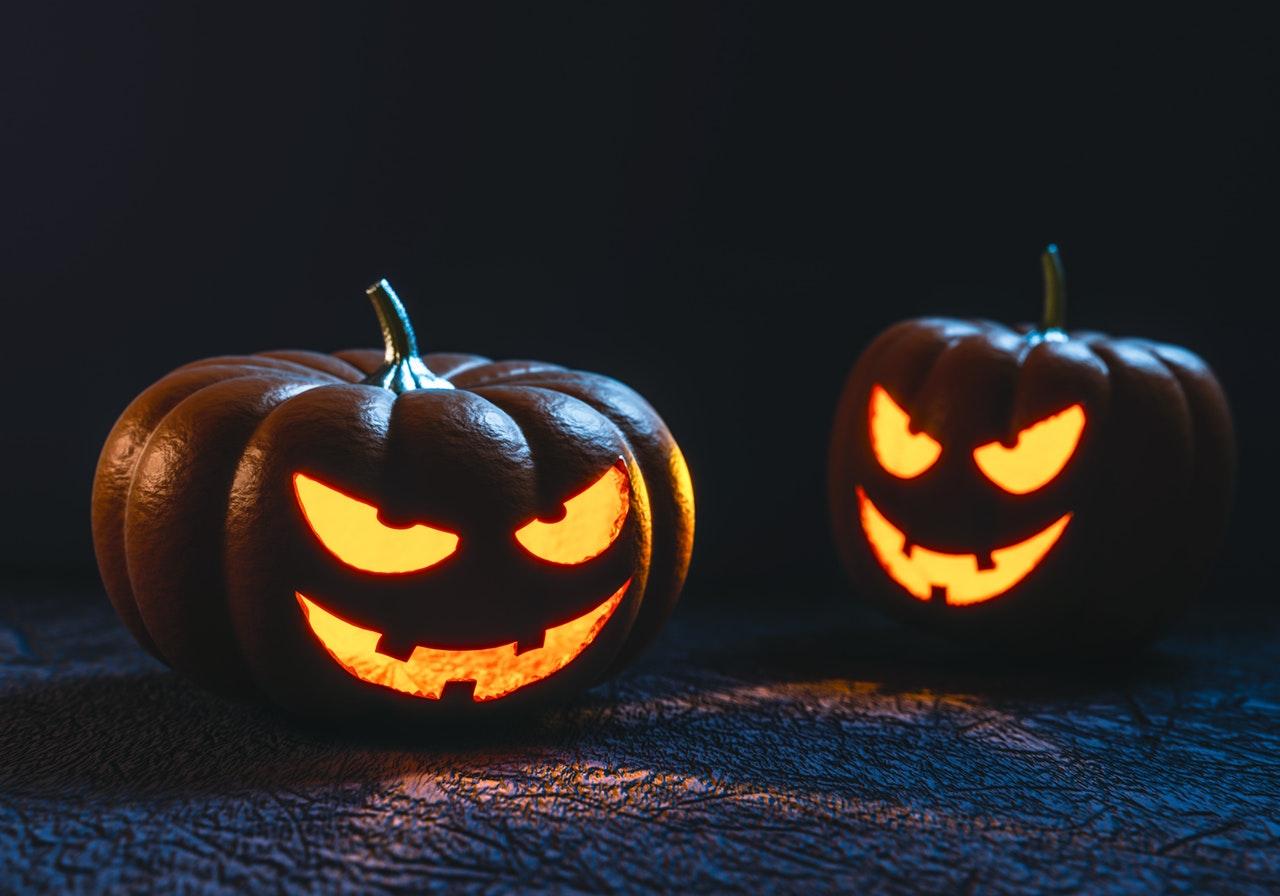 Grusel Warum Schnitzt Man Einen Halloween Kürbis